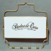 http://porcelanasmisumi.com.br/porta_chaves_bodas_ouro_link.jpg